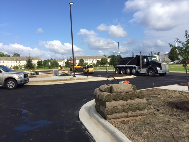 2165-Vidant HealthPlex-Day 235-Continue Paving on North and East side-9-24-18